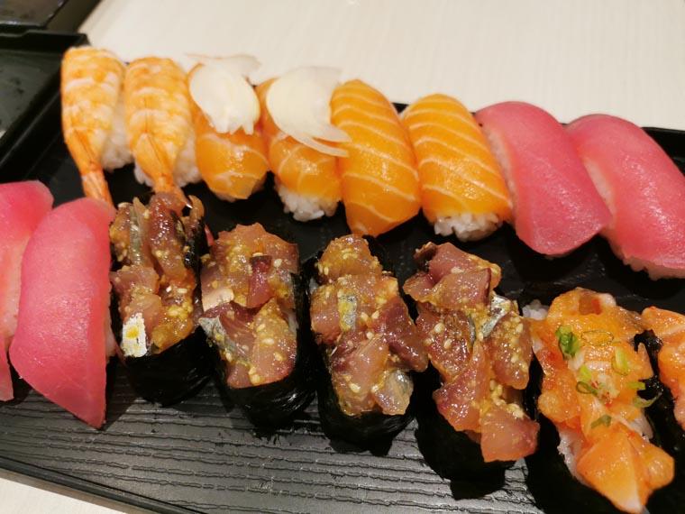 バンコクのお寿司屋さんの手羽先